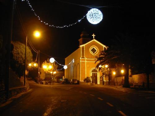 boccia-luminarie-chiesa