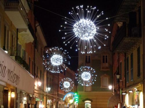palla-luminarie-centro-strada